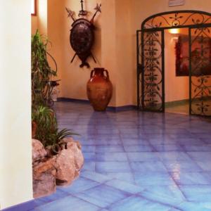 riflessi di cava blu mare antiche fornaci d'agostino ceramiche vietresi - edil siani